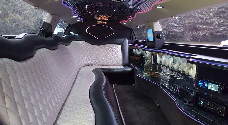Inside 300 Chrysler Stretch Limousine from Al Capone Limousine