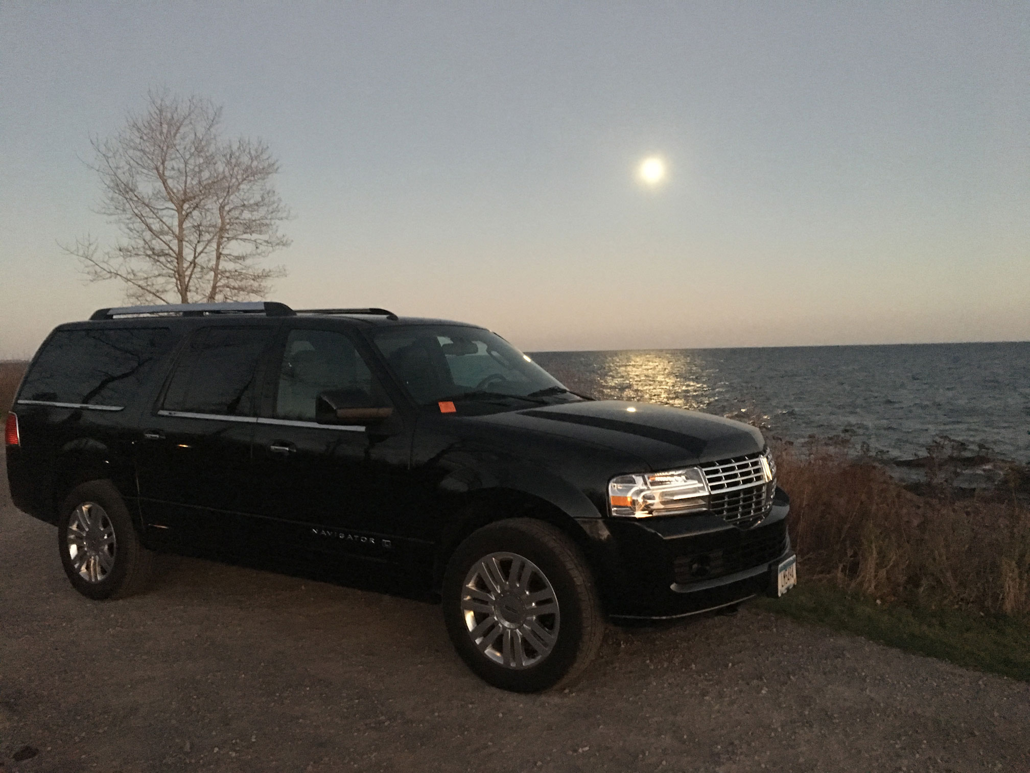 2018 Lincoln Navigator executive limo service
